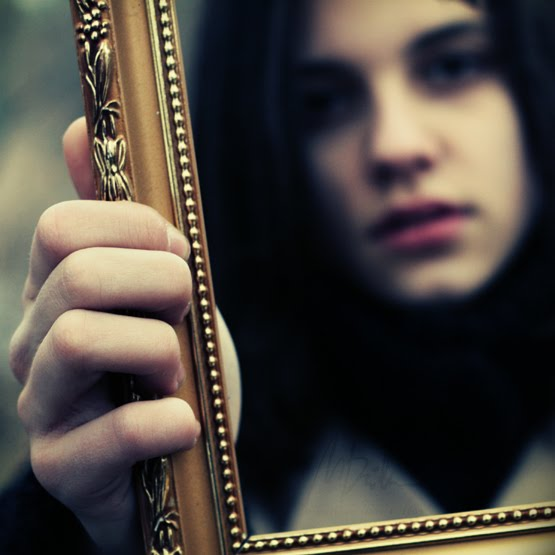I hate my face the starving bibliophile for Mirror that look